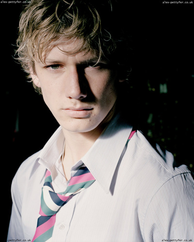 Alex Pettyfer wallpaper called Alex Pettyfer