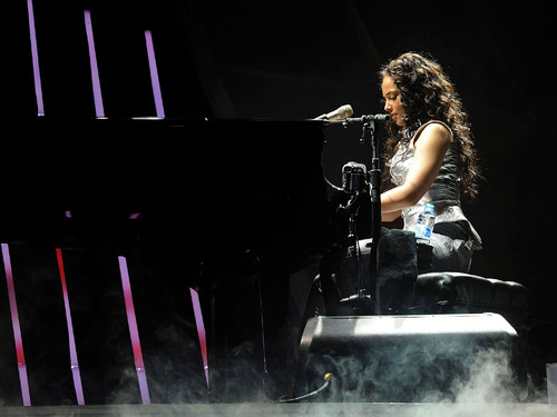Alicia Keys wallpaper titled Alicia