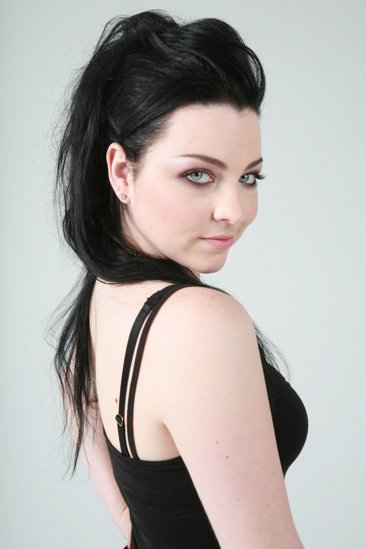 Amy Lee Pics, Photo Galleries Nude Pictures