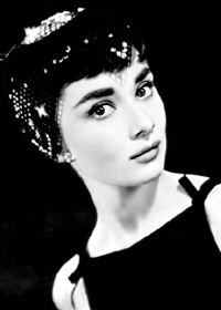 Audrey Hepburn achtergrond possibly with a portrait entitled Audrey