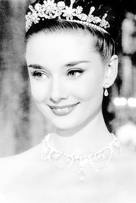Audrey Hepburn wallpaper entitled Audrey