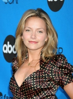Becki Newton 壁纸 containing a portrait entitled Becki