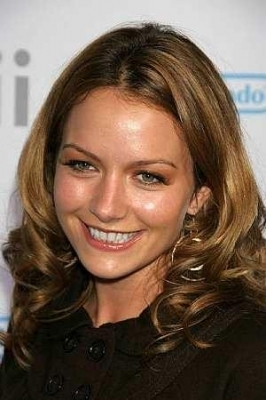 Becki Newton 壁纸 with a portrait called Becki