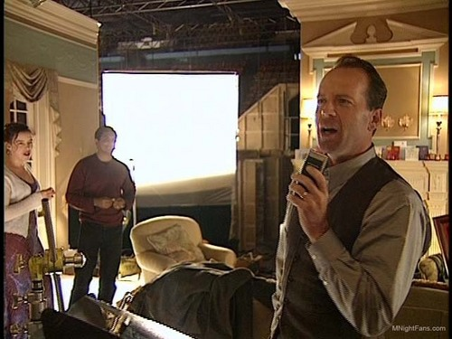 Bruce Willis wallpaper called Behind the Scenes: Sixth Sense