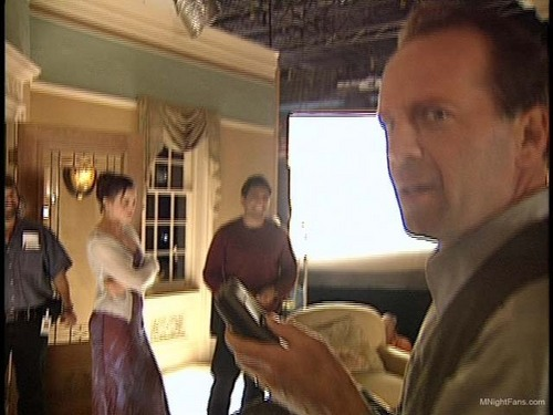 Behind the Scenes: Sixth Sense