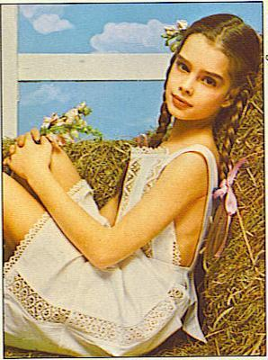 Brooke Shields wallpaper probably containing a bouquet called Brooke