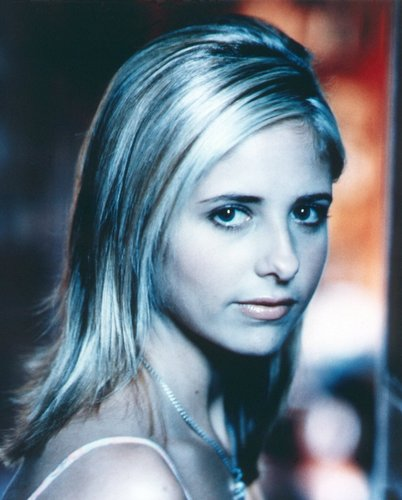 Buffy the Vampire Slayer wallpaper with a portrait entitled Buffy