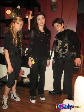 Carly, Sam, and Freddie - icarly Photo