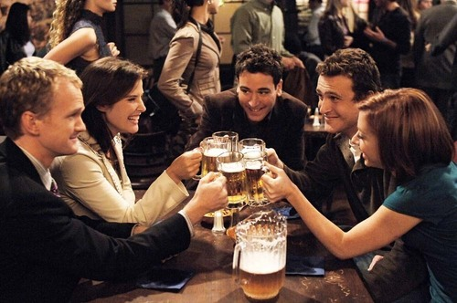 How I Met Your Mother wallpaper containing a brasserie, a dinner table, and a bistro called Cheers!