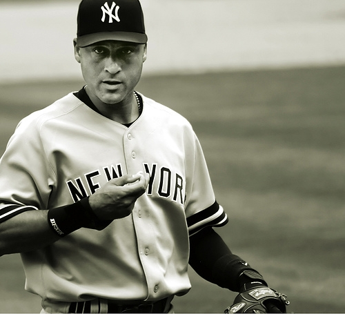 Derek Jeter wallpaper containing a first baseman, a ballplayer, and an umpire entitled Derek Jeter