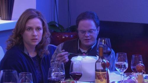 Dwight in रात का खाना Party