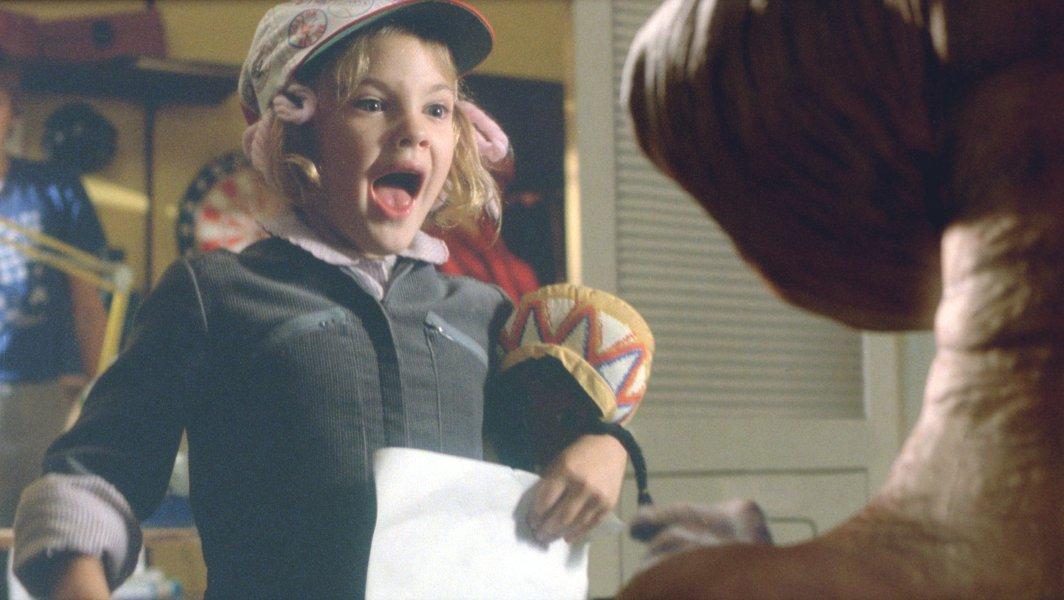 ETに驚くガーディの壁紙