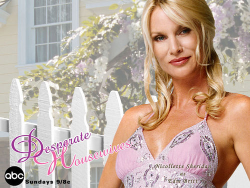 Edie Britt - desperate-housewives Wallpaper