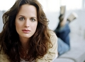 Elizabeth Reaser  - esme-cullen photo