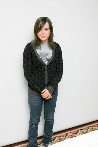 Ellen Page wallpaper possibly containing a cardigan and a pullover titled Ellen