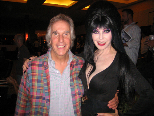 Filem Seram kertas dinding entitled Elvira & the Fonz!