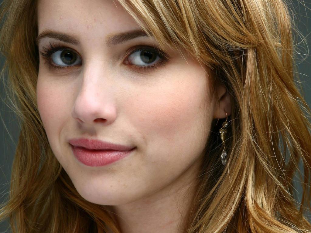 Emma Roberts - Wallpaper Actress