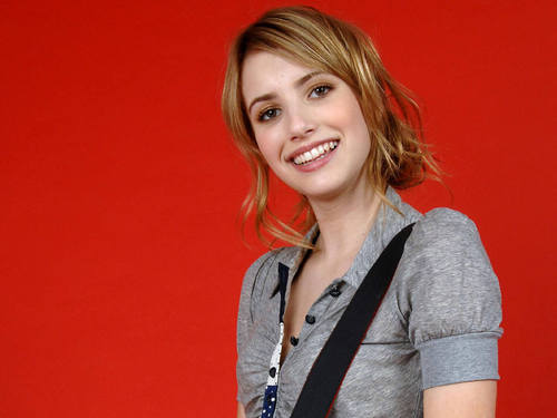 Emma Roberts wallpaper probably with an outerwear and a portrait called Emma Roberts