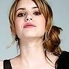"""خيبة الأمــل """" توقيع """" Emma-emma-roberts-905031_100_100"""