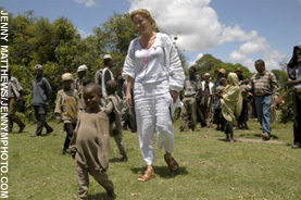 Emma Thompson wallpaper entitled Emma in Africa