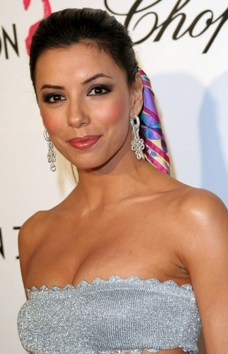 Desperate Housewives wallpaper probably containing a portrait called Eva Longoria
