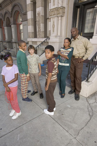 Everybody Hates Chris wallpaper with a street and a brownstone entitled Everybody Hates Chris