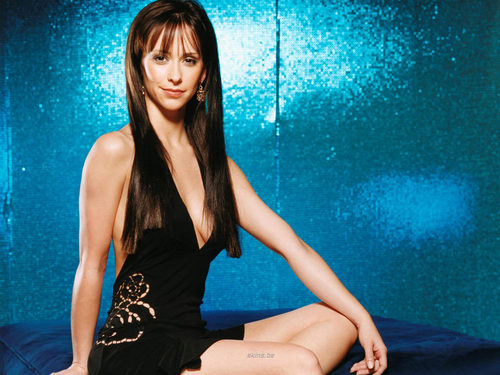 FHM-Jennifer cinta Hewitt 2002