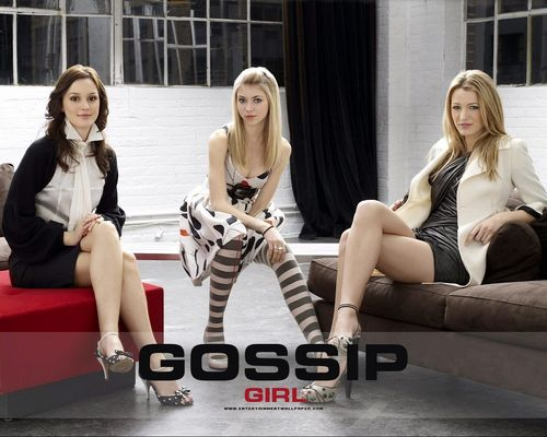 Gossip Girl wallpaper containing bare legs entitled Gossip Girl
