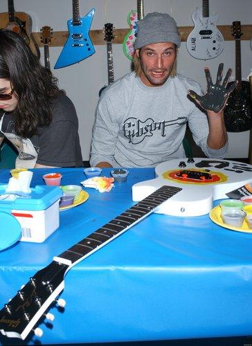 gitar Charity Event