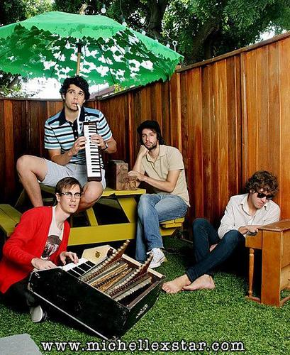 HelloGoodbye wolpeyper with a synthesizer entitled Hellogoodbye