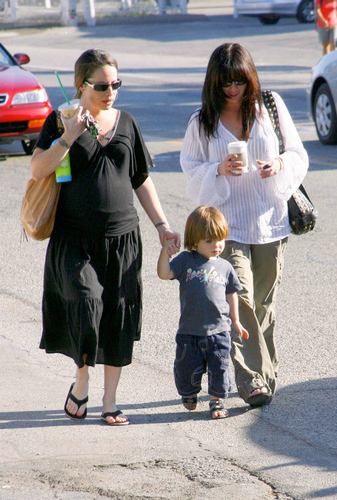 agrifoglio with her son and shannen