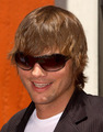 Hottie - ashton-kutcher photo