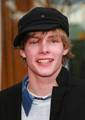 Hunter Parrish :) a HOT CUTEY