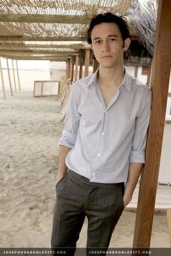 Joseph Gordon-Levitt karatasi la kupamba ukuta probably with a cabana and a beach, pwani house titled JGL <3