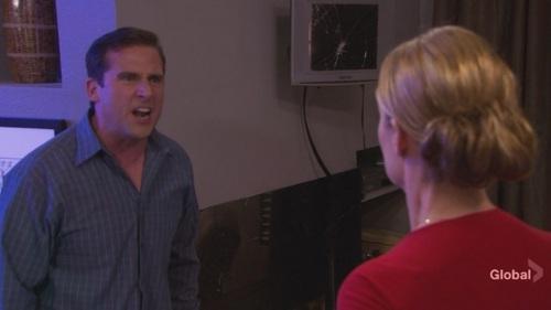 Jan throws Michael's Dundie