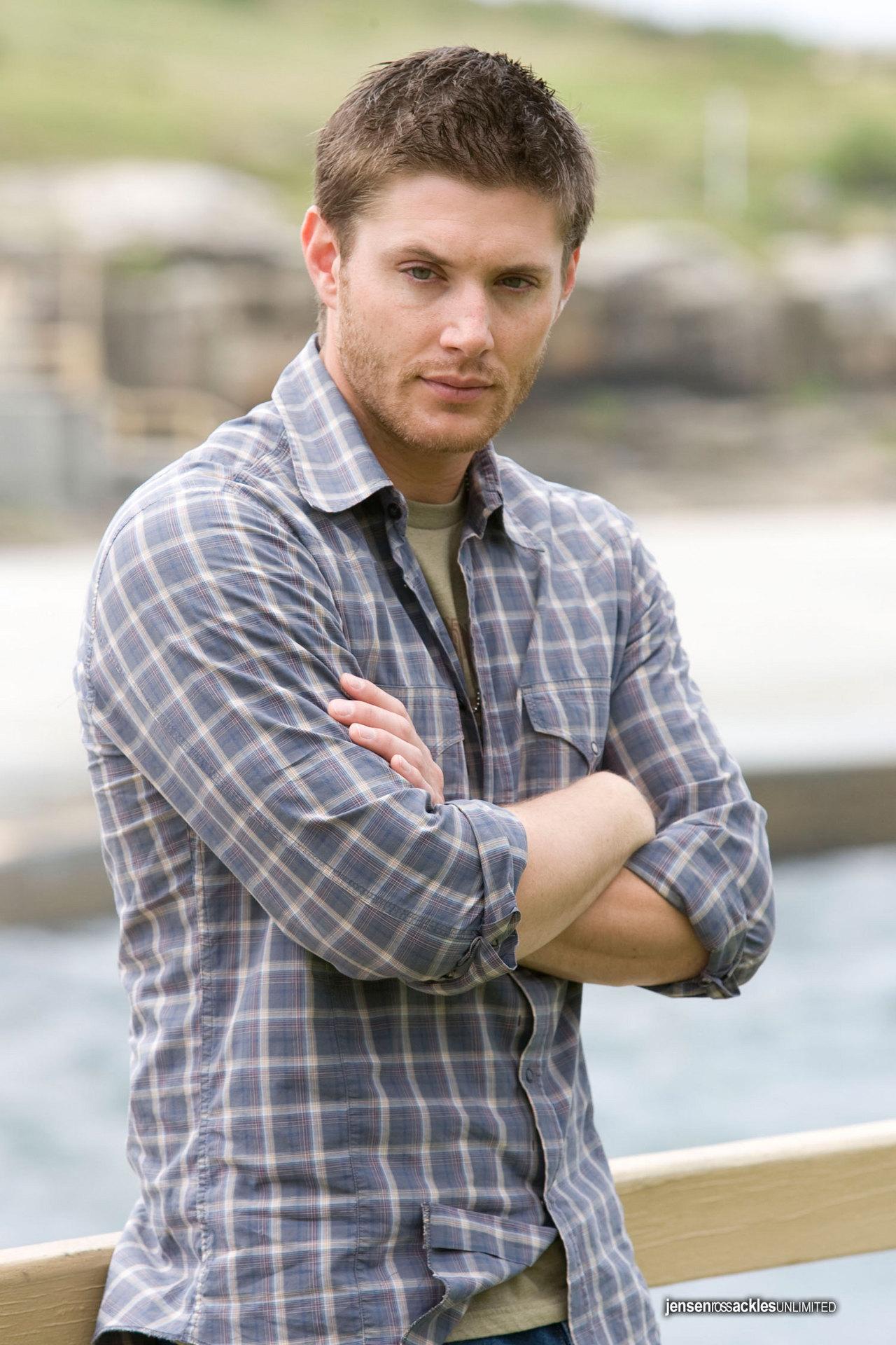 Jensen Ackles - Hottes...