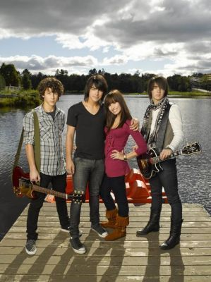Jonas Brothers & Demi Lovato - camp-rock Photo