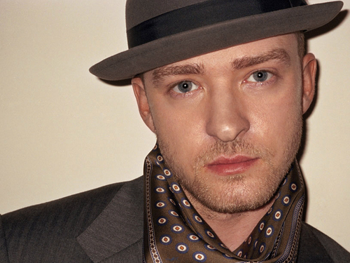 Justin Timberlake wallpaper possibly containing a business suit titled Justin