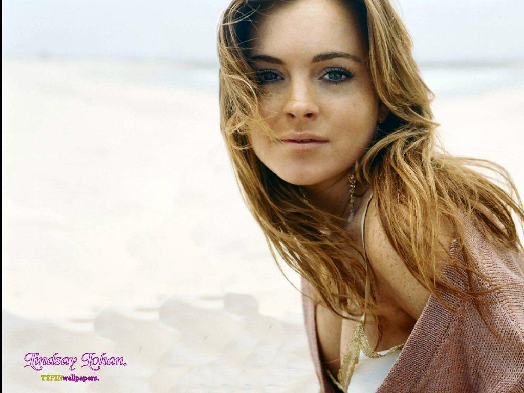 http://images1.fanpop.com/images/image_uploads/Lindsay-lindsay-lohan-1235102_1024_768.jpg