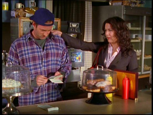 TVカップル 壁紙 probably containing a brasserie, a holiday dinner, and a coffee break called Luke & Lorelai (Gilmore Girls)
