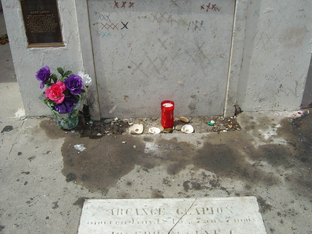 Witchcraft images Marie Laveau's Tomb HD wallpaper and ...