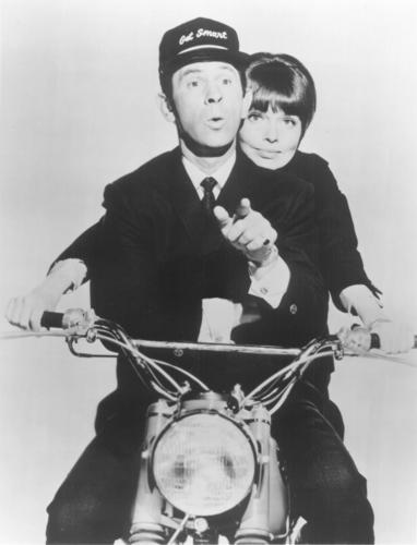TV Couples پیپر وال called Max & Agent 99 (Get Smart)