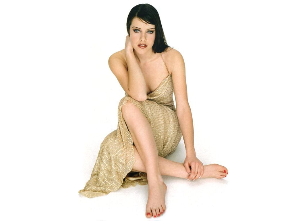 Michelle Ryan Feet