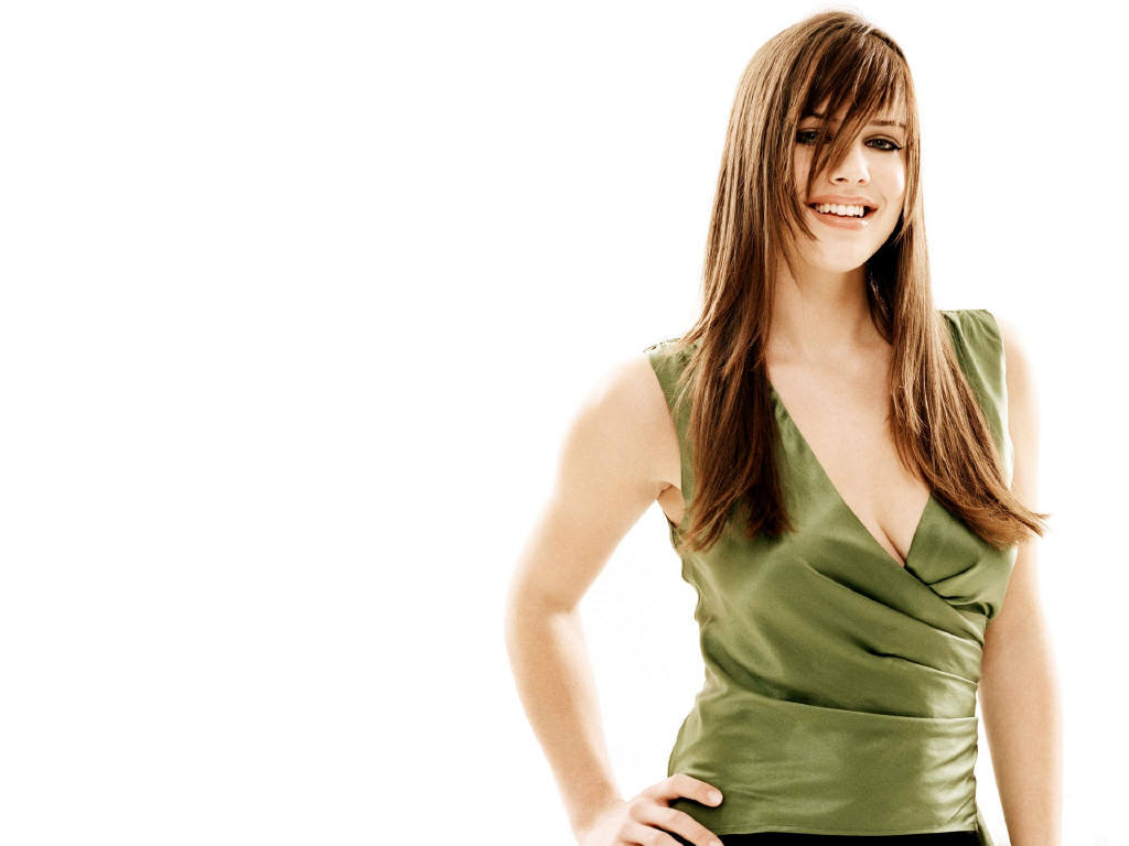 Michelle Ryan - Bionic...