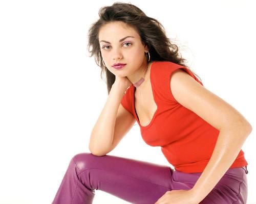 Mila Kunis Hintergrund entitled Mila