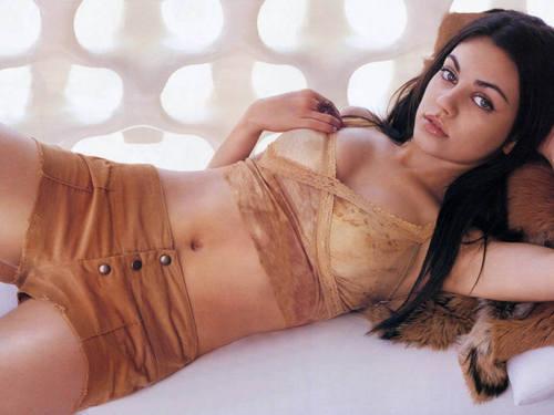 Mila Kunis achtergrond called Mila