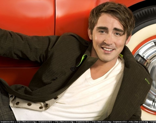 Lee Pace achtergrond containing an automobile called Parade Magazine