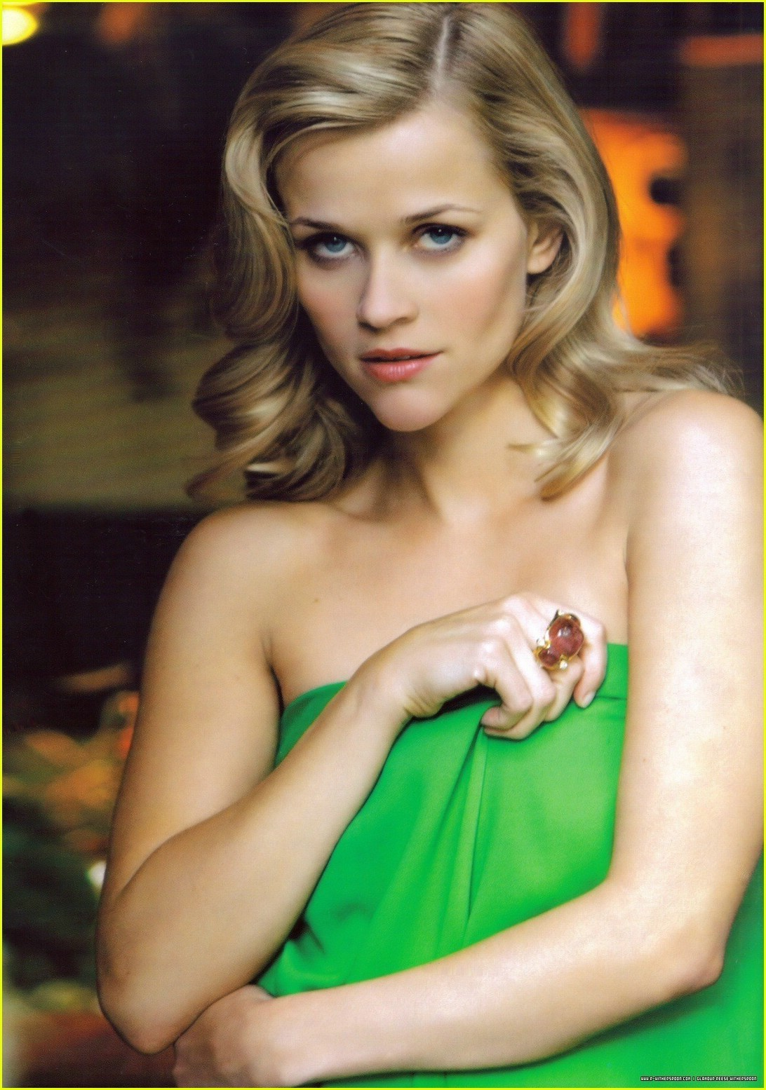 http://images1.fanpop.com/images/image_uploads/Reese-reese-witherspoon-1232504_1092_1555.jpg