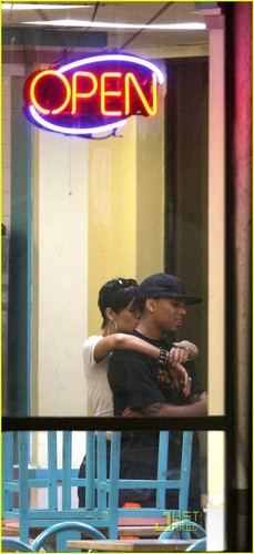 Rihanna& Chris