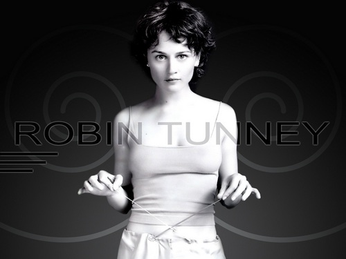 Robin Tunney wallpaper possibly with a portrait titled Robin